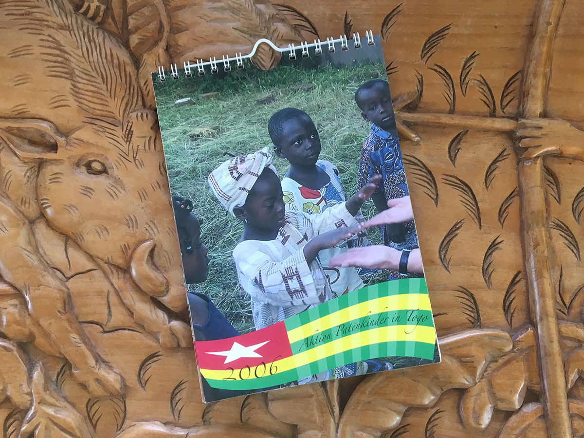 Das Titelblatt des Togo-Kalenders 2006