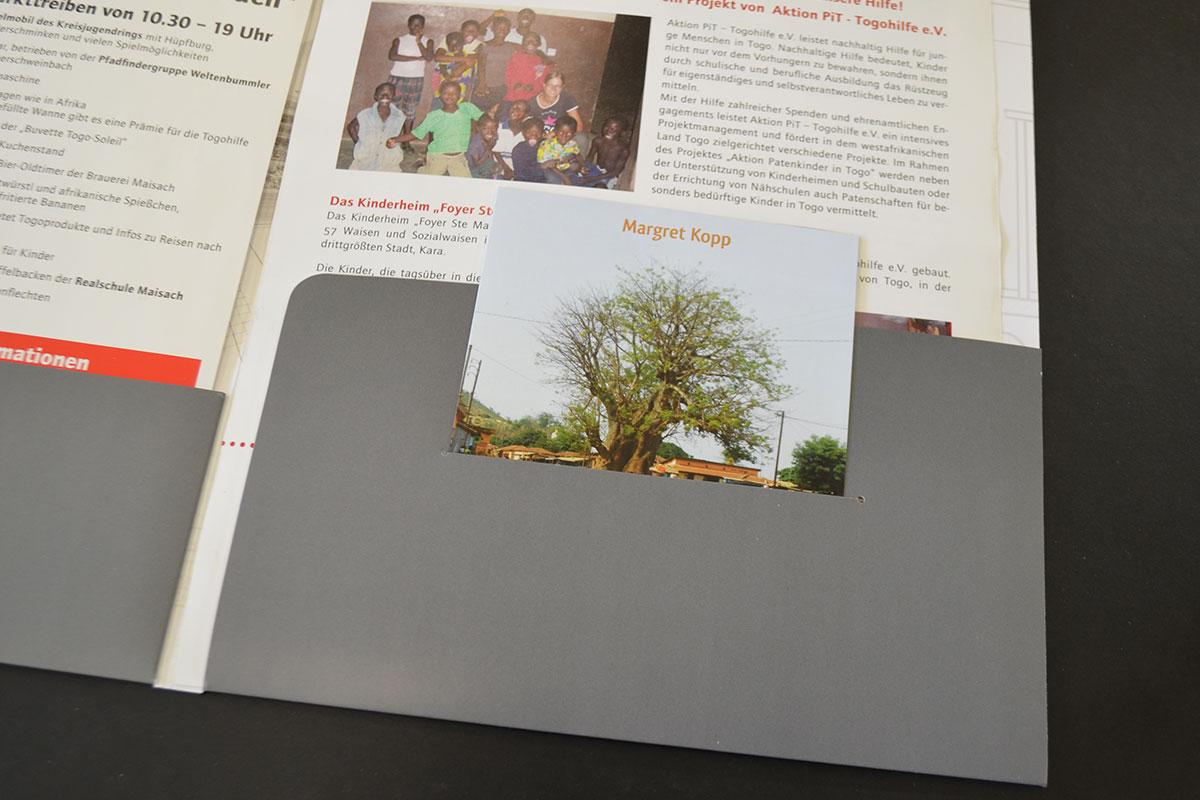 DIN-A4 Mappe Avantgarde mit Schlitz für Flyer auf der äußeren Lasche
