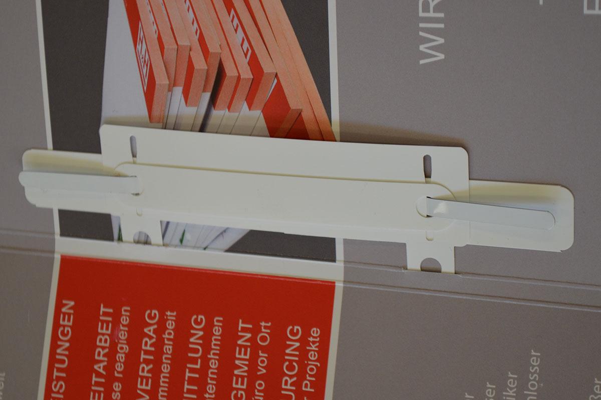 DIN-A4 Mappe Basic geöffnet mit Abheftvorrichtung